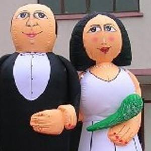 Attractieverhuur-opblaasbaarbruidspaar
